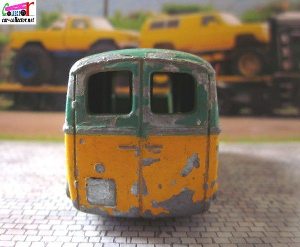 peugeot-d3a-lampes-mazda-dinky-toys-meccano (2)