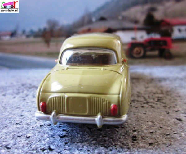 renaul-dauphine-norev-3-inches-renault-toys (3)