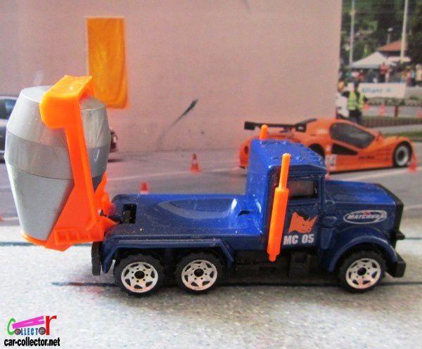 peterbilt-cement-truck-camion-betonniere-matchbox (5)