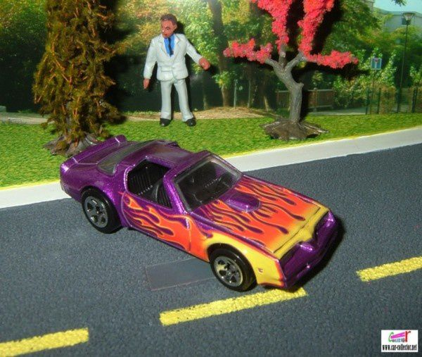 pontiac hot bird purple 2006.198