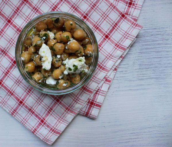 Salade-de-pois-chiches-au-persil-et-a-la-feta-1.jpg