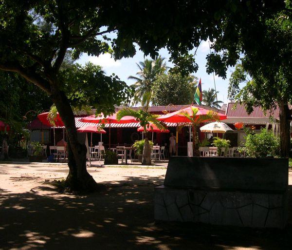 002c cafe de la plage