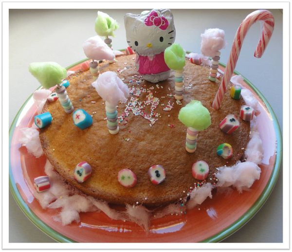 gateau hello kitty in wonderland