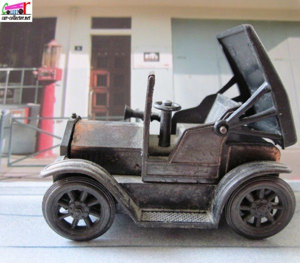 taille-crayon-ford-model-t-1917-laiton-pencil-shar-copie-3