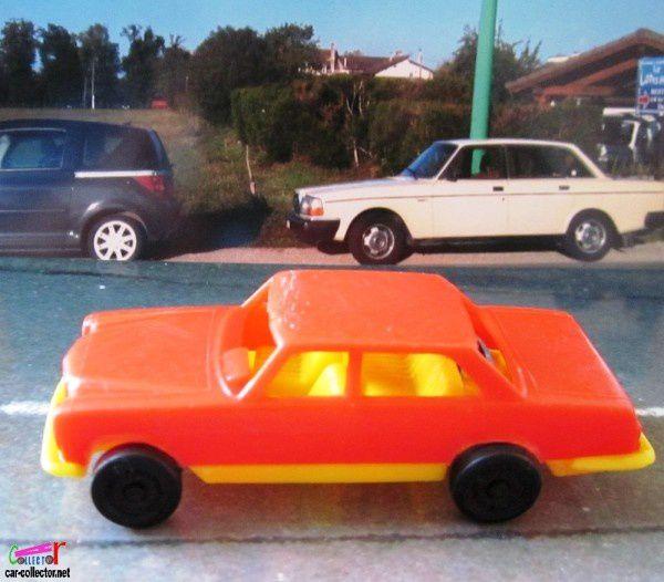 mercedes-250-cggc-italy-jouet-en-plastique (1)