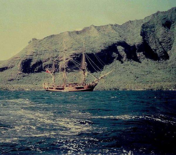 006 BOUNTY BAIE DE OPUNOHU 1983