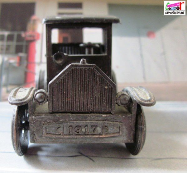 taille-crayon-ford-model-t-1917-laiton-pencil-shar-copie-4