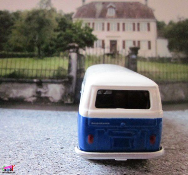 65-vw-bus-transporter-vw-combi-tomy-johnny-lightning (2)