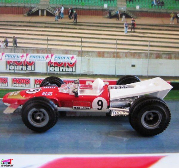 lotus-f1-3000-cm3-monaco-moteur-ford-cosworth-grah-copie-1