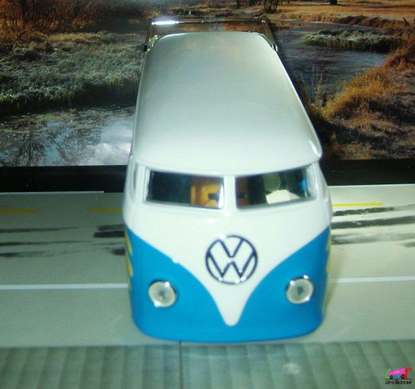 vw-combi-dragster-hot-wheels-1.18 (1)