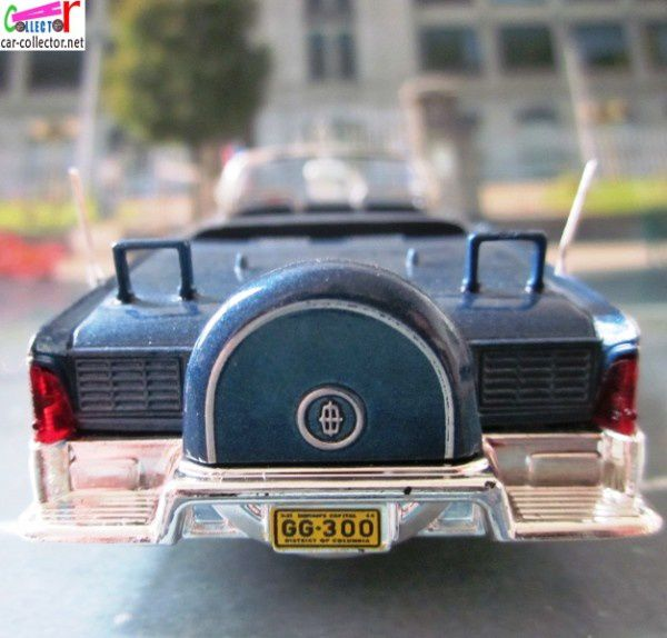 lincoln-continental-limousine-ss-100-x-john-fitzge-copie-5
