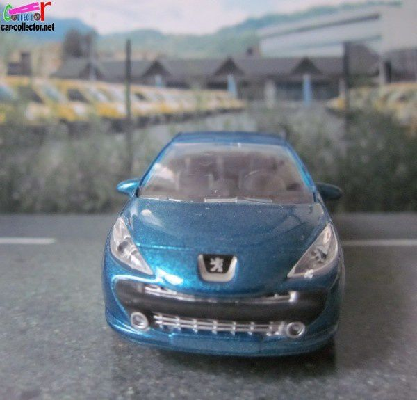 peugeot-207-cc-3inches-norev-show-room (2)