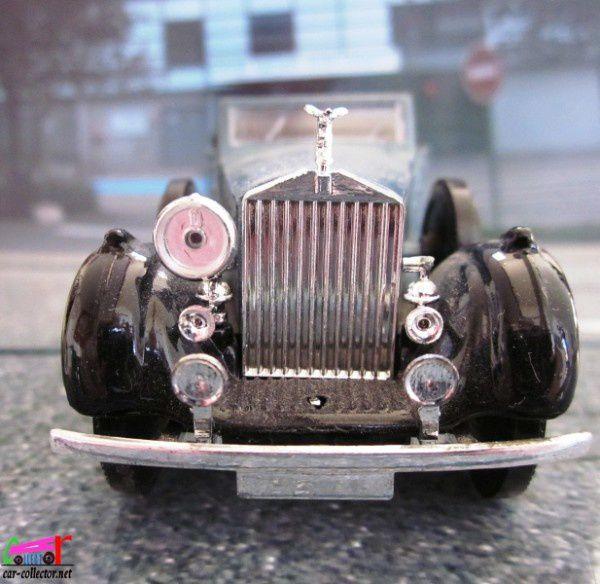 rolls-royce-phantom-III-decouvrable-1939-solido (3)