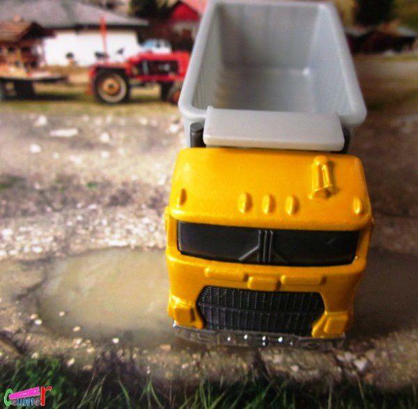 ford-dump-truck-5pk-down-&-dirty-2010 (1)