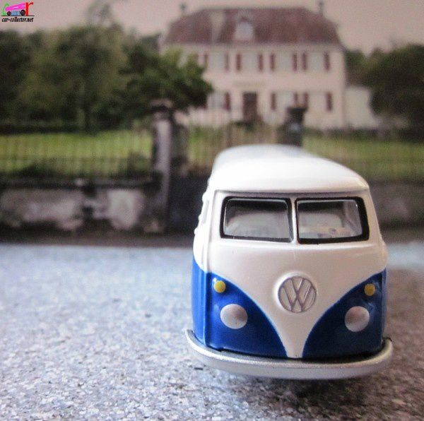 65-vw-bus-transporter-vw-combi-tomy-johnny-lightning (1)