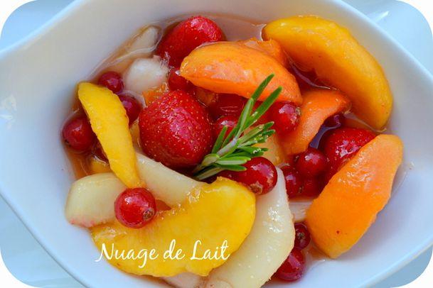 salade de fruits d'été sirop de romarin