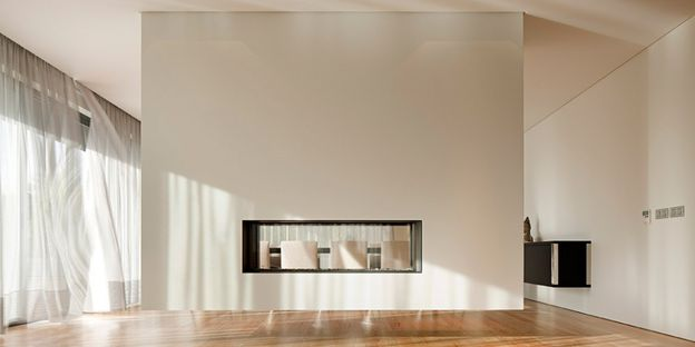 05-House-in-Guimaraes-by-Sequeira-Architects-on-usti-mag-b.jpg