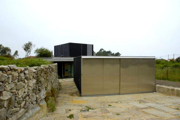 NUNO-BRANDAO-COSTA-Afife-house-portugal-architecture-usti-m.jpg