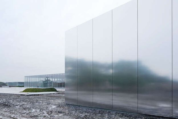 LOUVRE-LENS-by-SANAA-ARCHITECTS-Photo-by-Iwan-Baan-1.jpg