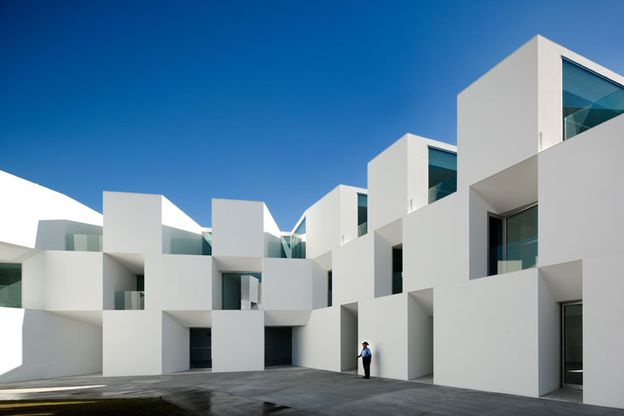 AIRES MATEUS architecture houses residence for eld-copie-1