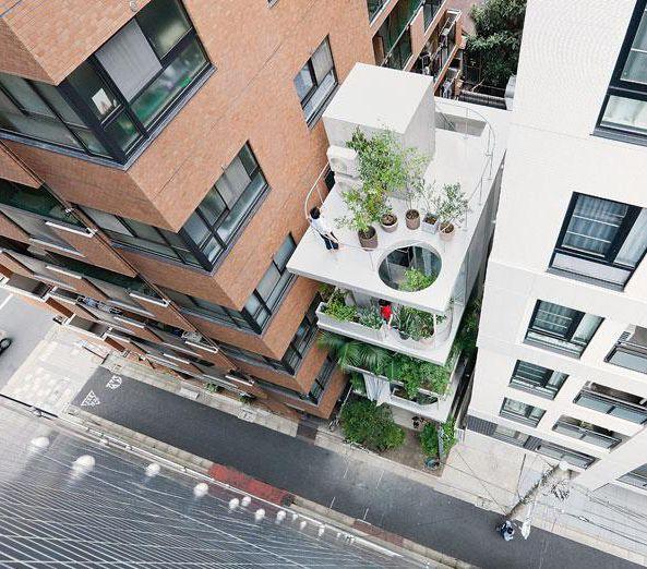 arcstreet.com-RYUE-NISHIZAWA-tokyo-vertical-house.jpg