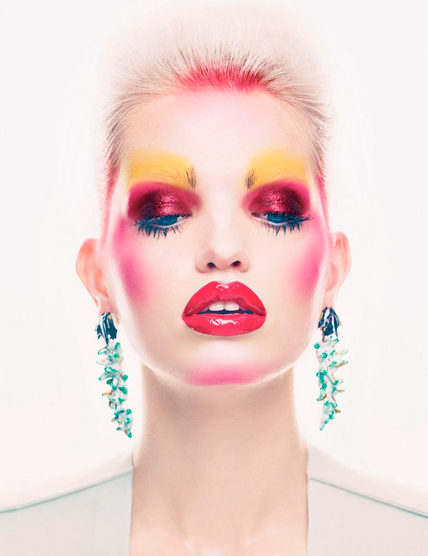 Daphne-Groeneveld-by-Patrick-Demarchelier-forVogue-UK-Mix-M.png