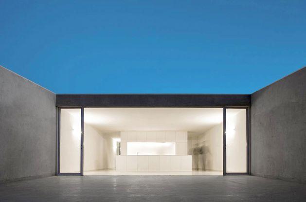 Fran-Silvestre-Arquitectos-.-CASA-EN-LA-LADERA-DE--copie-9.jpg