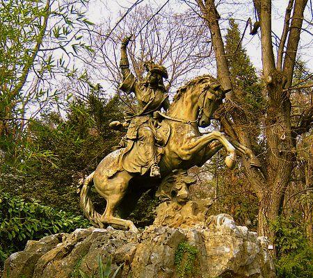 450px-Statue_Phylis_de_la_Charce_Grenoble.JPG
