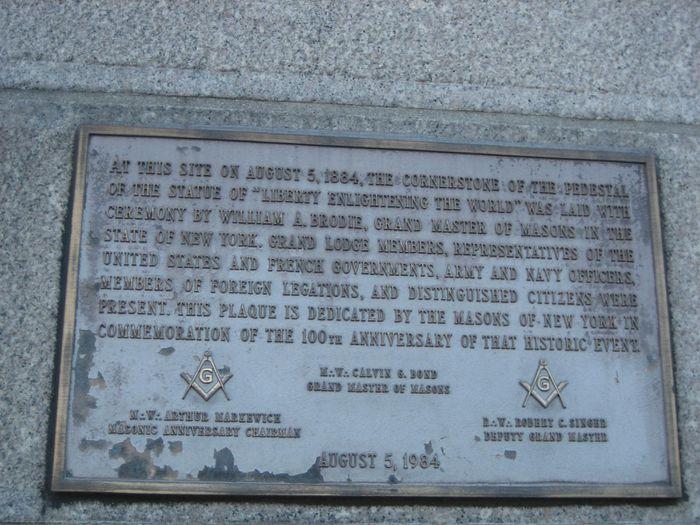 Statue de la Liberté, première pierre posée par le Grand